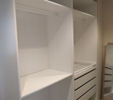 Dressing suite parentale (Ikea Pax 58 cm)