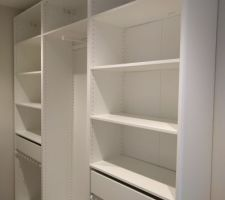 Dressing suite parentale (Ikea Pax 35 cm)