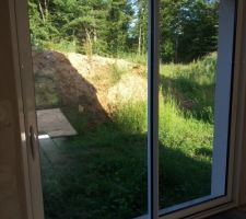 jolie vue du jardin dimmage qu il reste la bute de terre