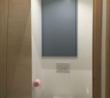 du rangement pour le wc du haut