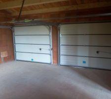 Porte de garage vue de l'intérieur