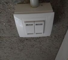 Interrupteur KNX Schneider Unica 4 touches (il manque les voyants)