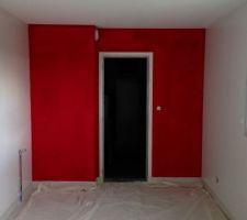 mur de la cuisine rouge st emilion 1ere couche