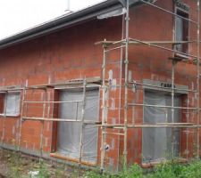 Préparation des façades sous la pluie incessante 12/07/2016