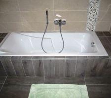 Carrelage baignoire N°2 fini