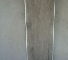 Superposition carrelage principal et carrelage effet bois terrasse