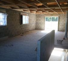 pose des menuiseries a l etage terminees noire exterieure blanc interieure
