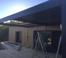 installation pergola bioclimatique