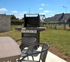 Barbecue Campingaz series 3 woody ld et le salon de jardin.