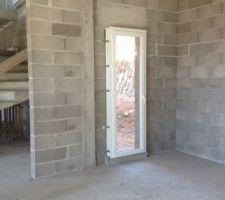 Pose des ouvertures - Porte-fenêtre cuisine 70