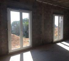 Pose des ouvertures - Portes-fenêtres chambres RDC 140