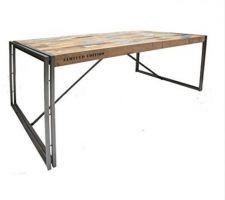 Idée déco : grande table 250 cm / 12 à 14 convives style industriel métal et teck recyclé.