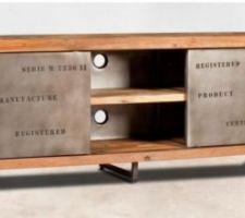 Idée déco : meuble TV industriel métal et teck recyclé.