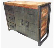 Idée déco : buffet industriel métal et teck recyclé. Ira dans l'entrée (meuble d'appoint face à la porte pour poser clefs, ranger papiers, etc.).
