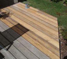 Suite de la terrasse, construction du palier pour l'escalier.