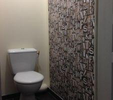 wc etage peinture papier peint