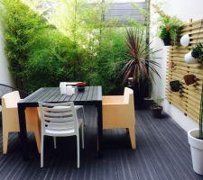 patio de 15 m2 avec terrasse composite et treille en douglas