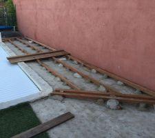 mes debuts de structures on voit qu au debut jai mis des plots de beton a l arrache et que je suis passer juste apres au plot pvc beton