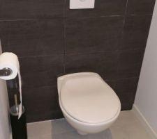 WC rdc quasi terminés. ..en attente de la plaque déclenchement. ..