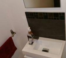 WC rdc quasi terminés. ..lave mains