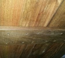 structure de la table 3 lambourdes de 111cm avec 4 trous par planche sur chaque lambourde