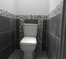 Toilettes étage
