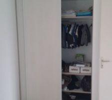 Chambre d'enfant (dressing)