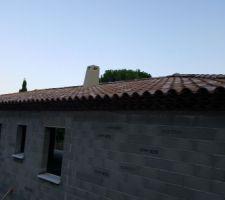 Couverture 4 pans et double rang de génoises et parefeuilles façade sud façade nord