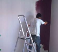 application de la couleur figue violet de luxens pour la chambre parentale