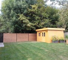 photos blooma abri de jardin en bois ylistaro. Black Bedroom Furniture Sets. Home Design Ideas