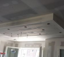 Descente de plafond pour hotte ilot et spots