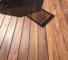 apres une annee la terrasse s est refait une petite beaute degrisage et saturage en regle