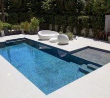 photos et id es piscine b ton projet 75 photos. Black Bedroom Furniture Sets. Home Design Ideas