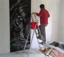 Un tigre arrive dans la chambre de notre fils