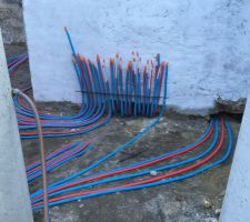 Départ des réseaux chauffage et eau depuis la chaufferie