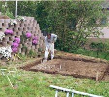 Préparation fondations pour abri de jardin