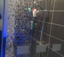 Vue g�©n�©rale salle de bain �©tage.