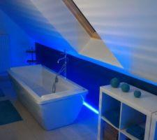 Vue générale salle de bain étage