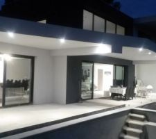 Façade Sud - de nuit avec éclairage spots LED
