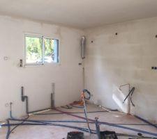 plomberie et electricite dans la cuisine