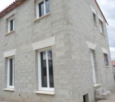 Pose des fenêtres, porte d'entrée et porte-fenêtre