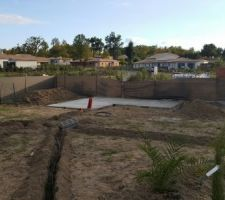 Arrossage enterré et la dalle du futur abri de jardin