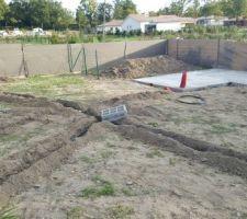 arrossage enterre et la dalle du futur abri de jardin