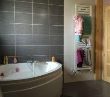 la deuxieme salle de bain terminee