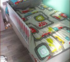 ça y est depuis maintenant 3 semaines Monsieur à son lit de grand pour ses 2 ans il est heureux!