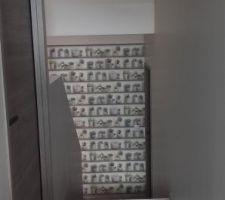 Un peu de déco dans les escaliers...