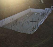 Construction piscine 7m50 long SUR 3m70 de large et 1M50 de profondeur tout les travaux son realiser  part moi même