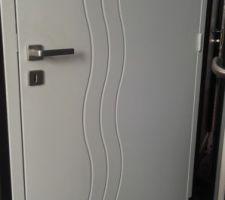 Porte pour salle de bain chambre parentale.