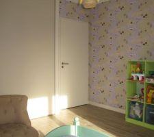 chambre finie porte peinte