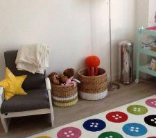 fauteuil retape luminaire et tapis ikea table a langer combelle etagere maison du monde